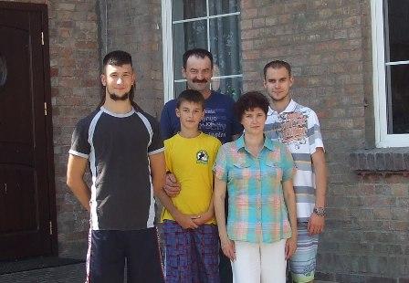 Państwo Kruszynowie z dziećmi