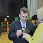 Władysław Piasecki - prezes LIR odbiera statuetkę za współpracę z KRUS