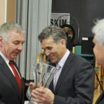 Krzysztof Pawlak przyjmuje gratulacje i życzenia z okazji jubileuszu