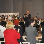 Krzysztof Pawlak - Dyrektor OR KRUS dyryguje orkiestrą detą