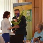 Dyr. M. Pałys składa gratulacje nowo wybranemu Prezesowi LIR - Stanisławowi Myśliwcowi