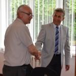 W. Piasecki gratuluje S. Madejowi wyboru na Wiceprezesa LIR