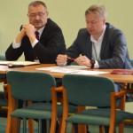 Przedstawiciele ARiMR: dyrektor A. Rochmiński (z lewej) i A. Trzop